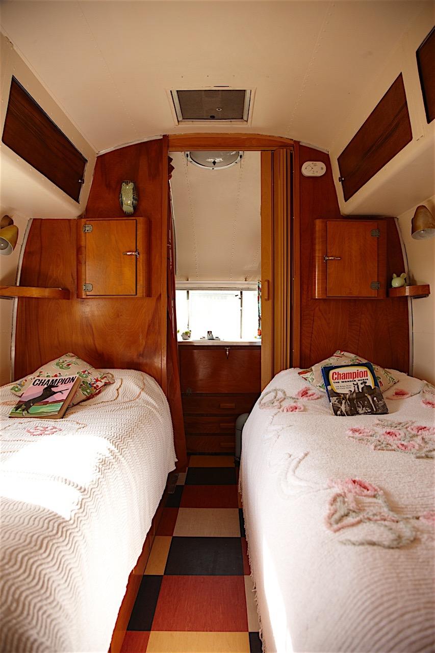 Caravan 10.jpg