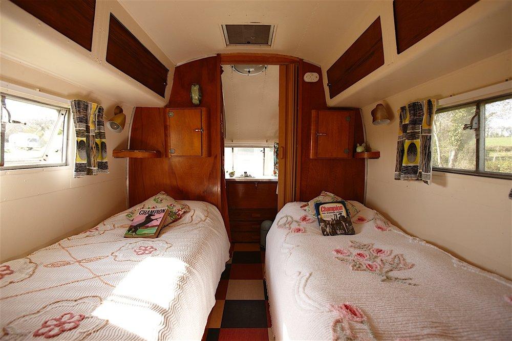 Caravan 16.jpg