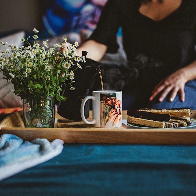 Saturday's are for breakfast in bed, good music, & lots of coffee... ⠀⠀⠀⠀⠀⠀⠀⠀⠀ ⠀⠀⠀⠀⠀⠀⠀⠀⠀ . . . . #sincerelyheartfelt #liveautthentically #inbeautyandchaos #thesincerestoryteller #embracingtheeveryday #brandphotography #contentcreator #creativelife #creativebusiness #beunraveled #makeportraits #pushthroughfear #takerisks #canon #discoverportrait #facesofsantaana #santaana #thisisnewsong #thatsdarling #littlethingstheory #orangecountyphotographer #ohwowyes #thehappynow #pursuepretty #visualsoflife #flashesofdelight #calledtobecreative #mybeautifulmess