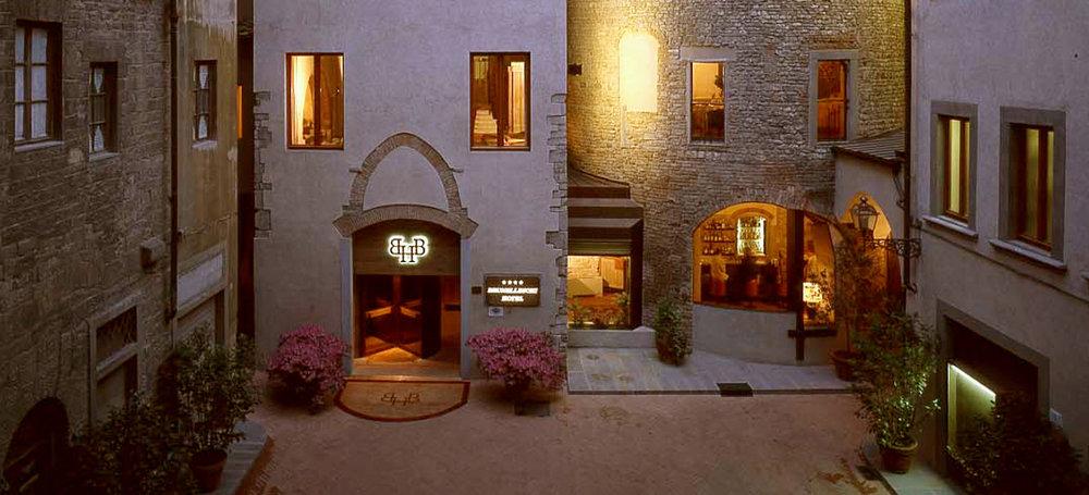 Esterno-Ingresso-hotel-brunelleschi-firenze.jpg