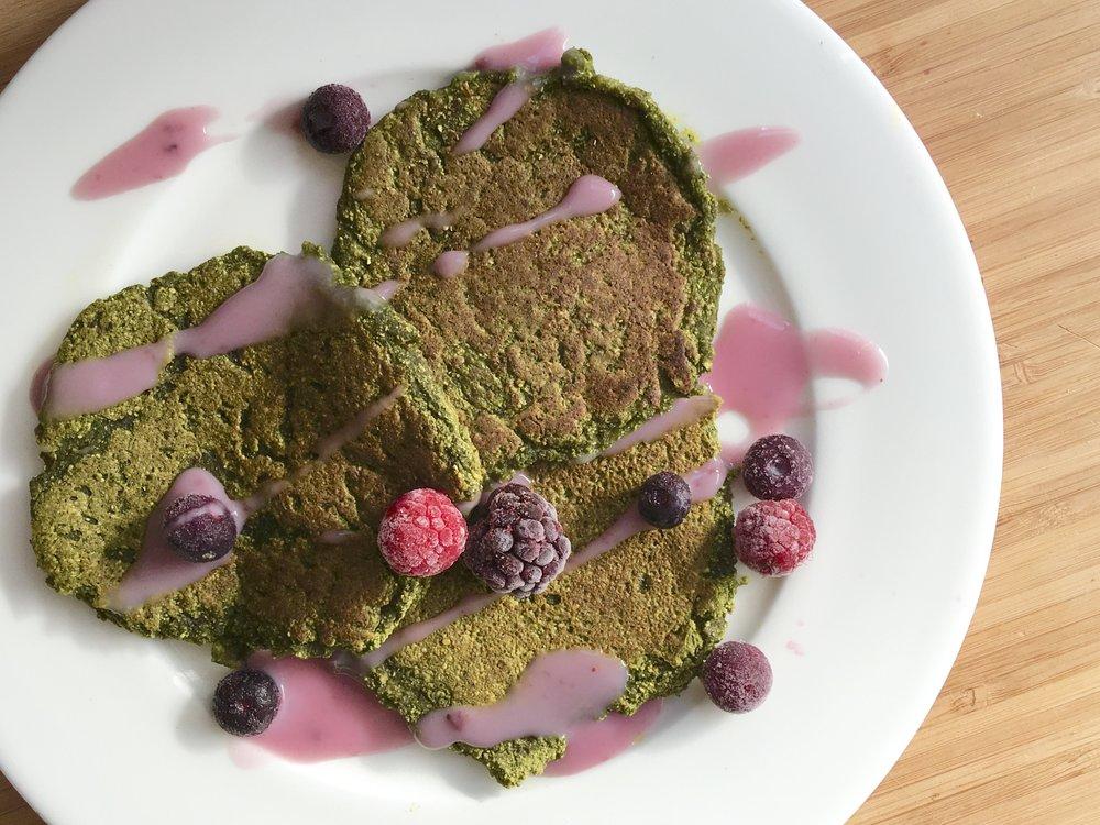 Amazing Pancakes - gluten free, vegan, flourless, fast superfood breakfast