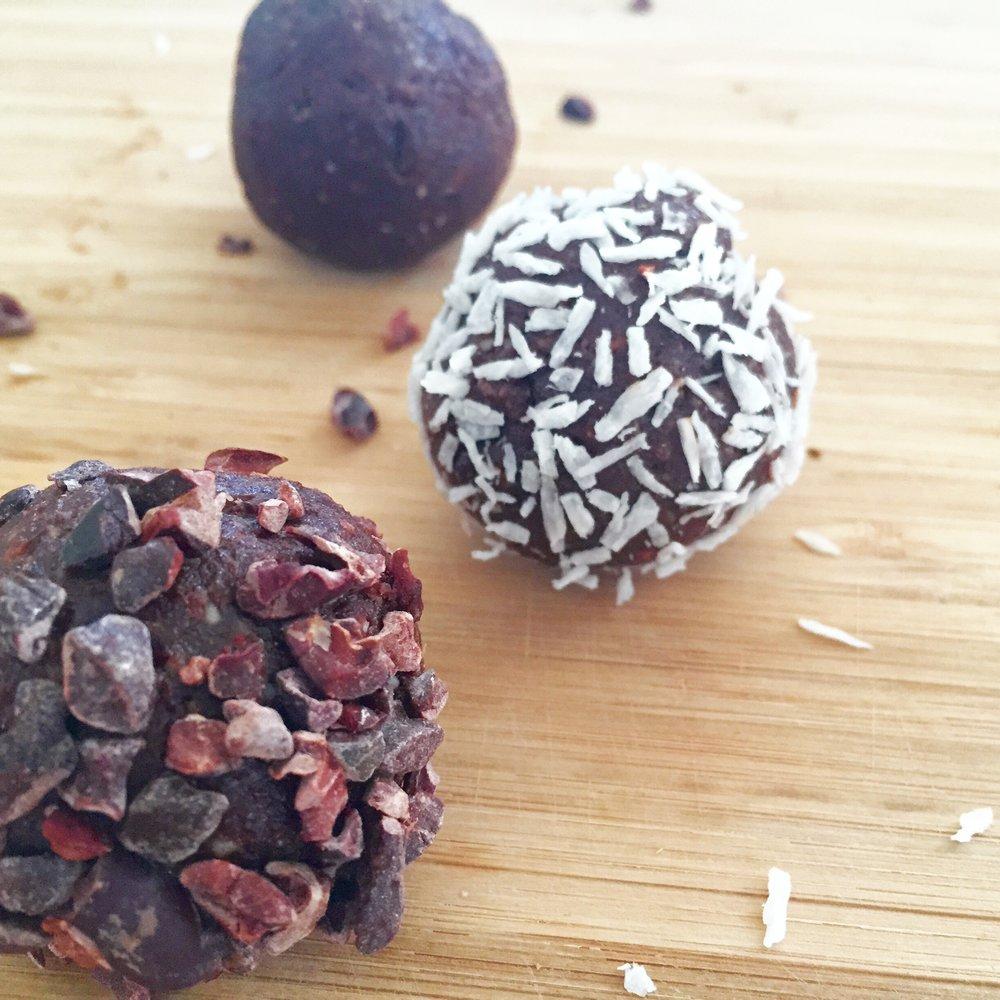 Chocolate Protein Brownie Bites by Kristine Thomas -getwelli.com - grain free, vegan, gluten free, no added sugar