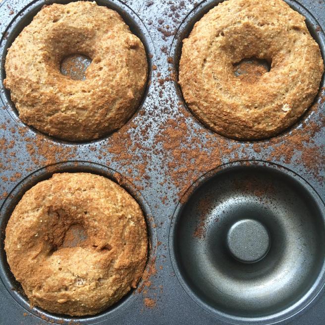 Simple Cinnamon Doughnuts - www.getWelli.com - #getWelli #grainfree #vegan #paleo #sugarfree