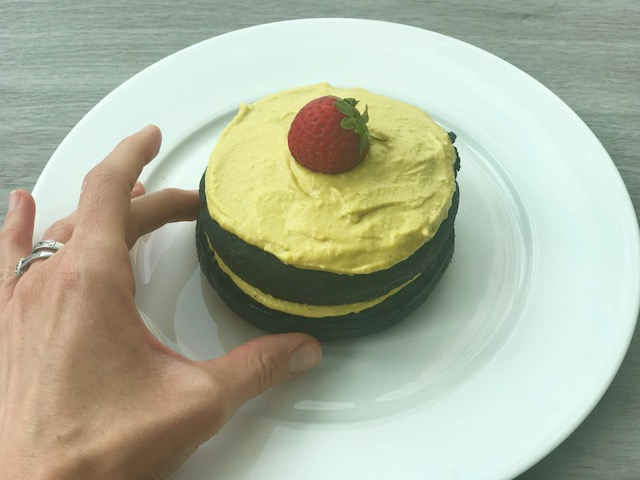 Peanut Butter Charcoal Cake - www.getWelli.com - #getWelli #vegan #grainfree #paleo #charcoal #peanutbutter #cake
