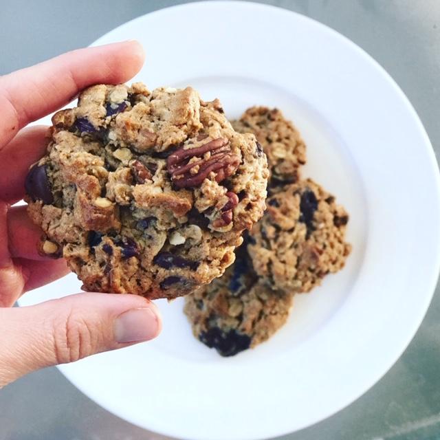 Flourless Cranberry Pecan Cookies - www.getWelli.com - #getWelli #vegan #glutenfree #dessert #fall