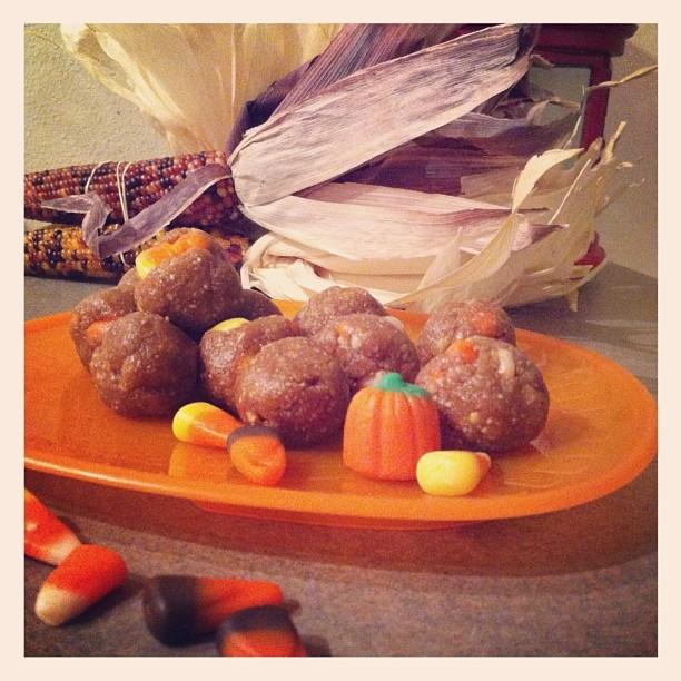 candy corn cookie dough - www.getWelli.com - #Halloween #vegan #vegetarian #flourless #dessert #candy #healthy