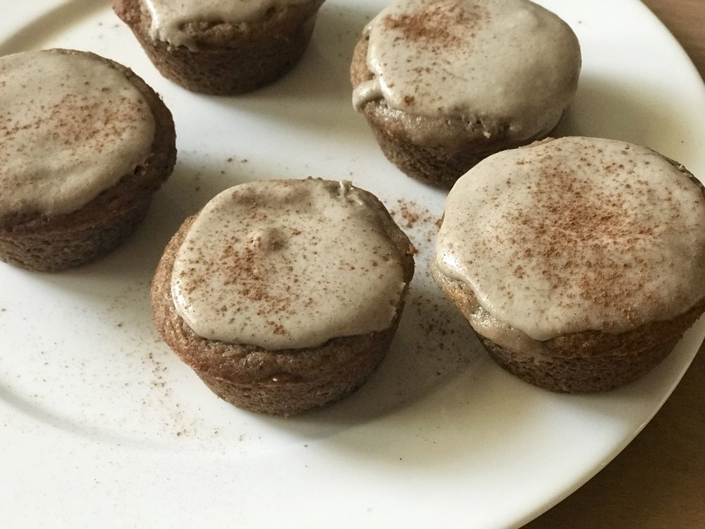 Banana Amaretto Cinnamon Roll Muffins   www.getWelli.com   #getWelli #vegan #grainfree #paleo #glutenfree #breakfast #cinnamonrolls #muffins