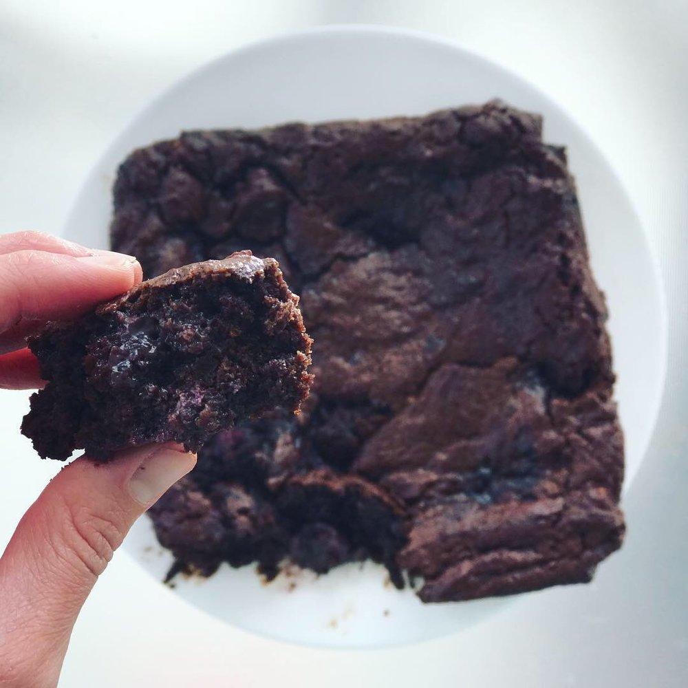 Tahini and Wild Cherry Brownies - www.getWelli.com - #getWelli #vegan #paleo #glutenfree #dessert #valentinesday #chocolate #brownies #grainfree