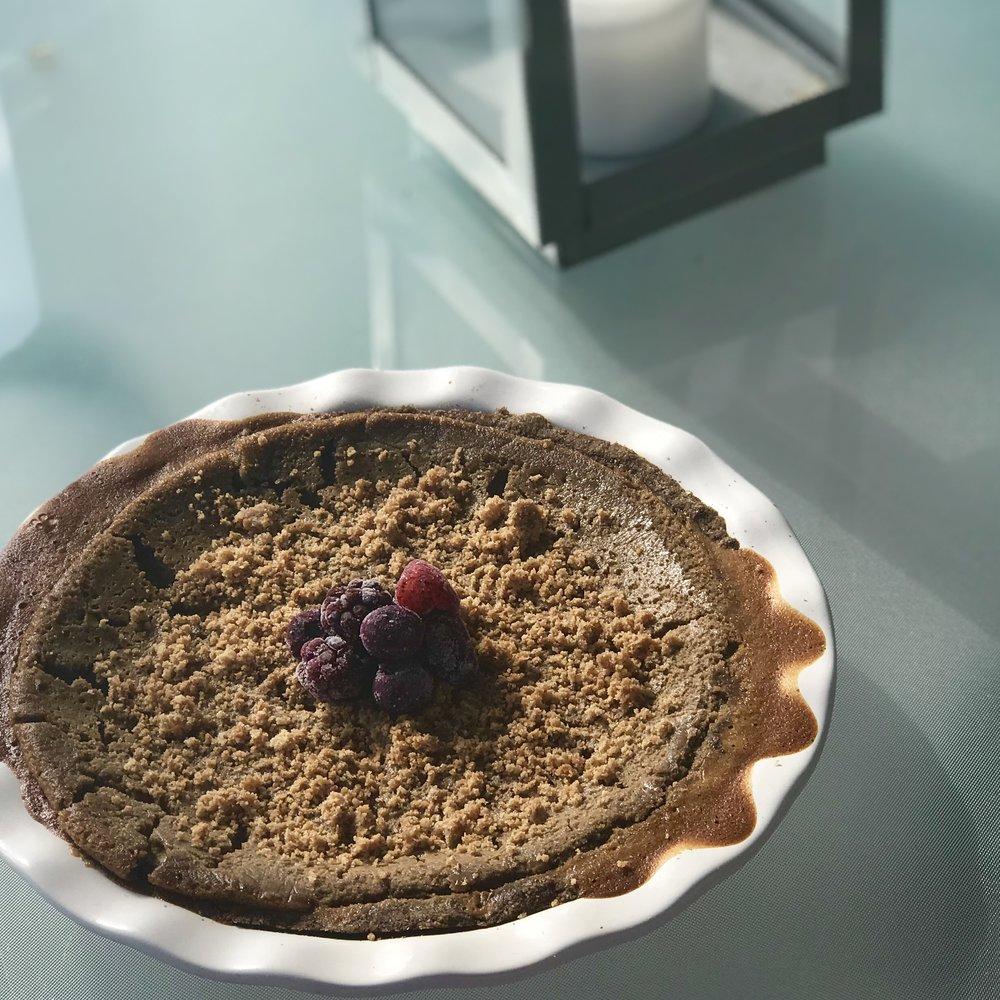 Chocolate Amaretto Pie - www.getWelli.com - #getWelli #vegan #paleo #glutenfree #grainfree #vegetarian #dessert #pie