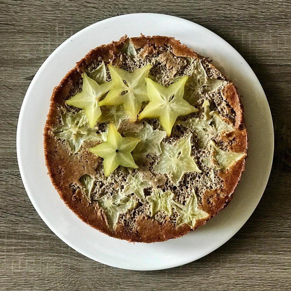 Starfruit Cake - www.JoyfulGoodness.com - #JoyfulGoodness #beJoyful #vegan #paleo #dessert #cake