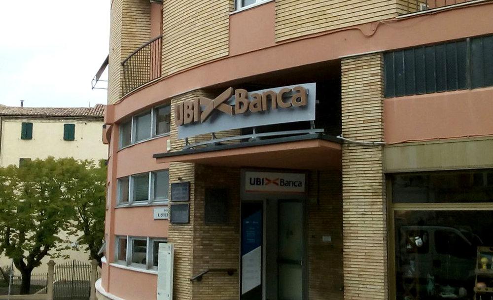 NEONBASSANO_UBIBANCA_07.jpg