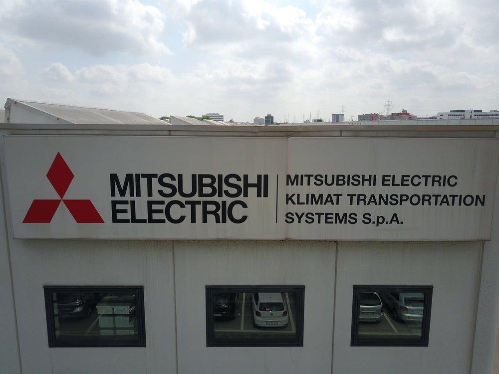 NEONBASSANO_MITSUBISHI_02.JPG
