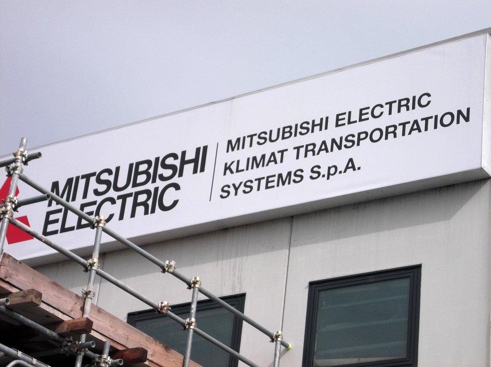NEONBASSANO_MITSUBISHI_05.JPG
