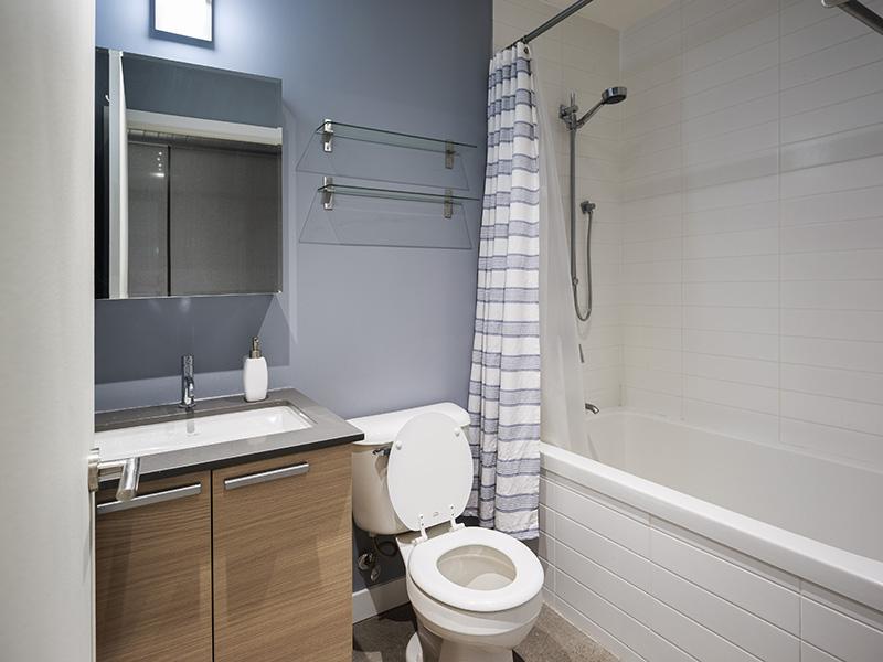 11-Bath2.jpg