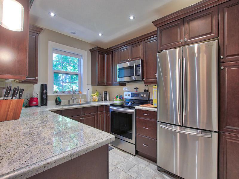 8-Kitchen-2.jpg