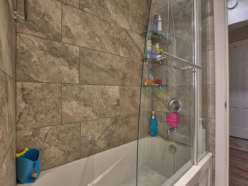11-Bathroom-2.jpg