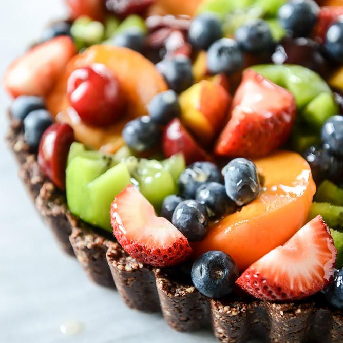 Máte stále chuť na sladké? Nemusíte sa preto trápiť a obmedzovať. Majte pôžitok pri maškrtení a dobrý pocit zároveň. Trendom dnešných dní je starať sa o svoje zdravie. V zdravých sladkostiach spojíte príjemné s prospešným. Našim cieľom je postarať sa, aby ste mali tie najkvalitnejšie zdravé sladkosti.