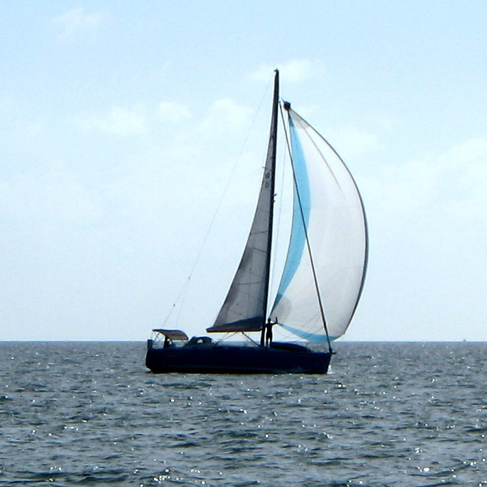 downwind sailing on Lightheart