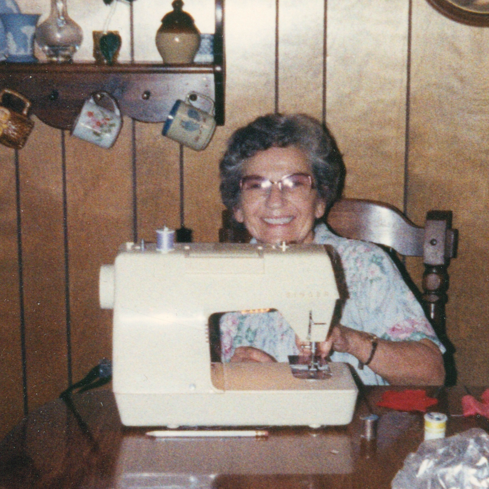 I didn't even know she owned this machine until I was in high school - I just assumed she did EVERYTHING by hand.