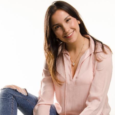 Daniela Román - Me Acepto.jpg