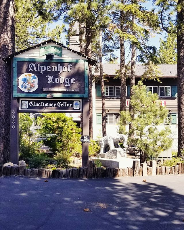 Shout out to @alpenhoflodge for hosting us this weekend at the #mammothfoodandwineexperience . . . . #continentalsausage #sausage #germandeli #germansausage #bites #alpenhoflodge #mammoth #mammothmountain #mammothlakes #mountains #mountaintown #food #wine #weekend #saturday #losangeles #german