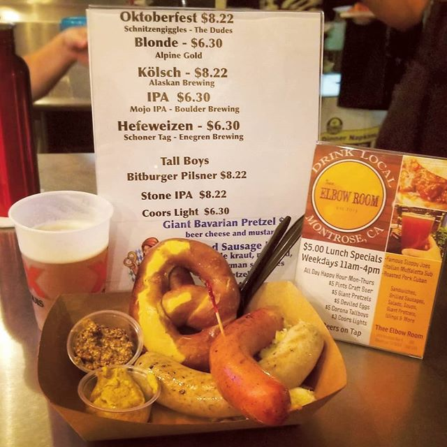 Oktoberfest is in full effect! @theeelbowroom is serving up our #andouille and #nürnbergerbratwurst! Some really great pretzels too!! #Prost! 🍻🌭🥨 . . #Oktoberfest #oktoberfestseason #oktober #beer #pretzel #sausage #continentalsausage #theeelbowroom #montrosevillage #saturday #cheers #local