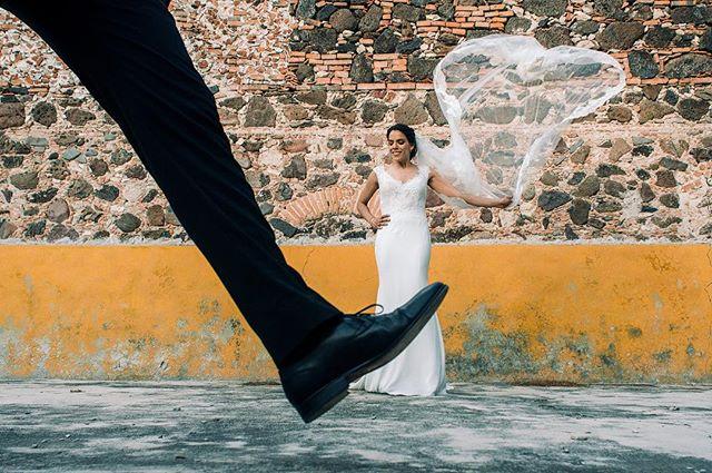 Male it fly / hazlo volar . . . . . #weddingideas #weddingphotography #wedding #bride #novia #groom #mmp #boda