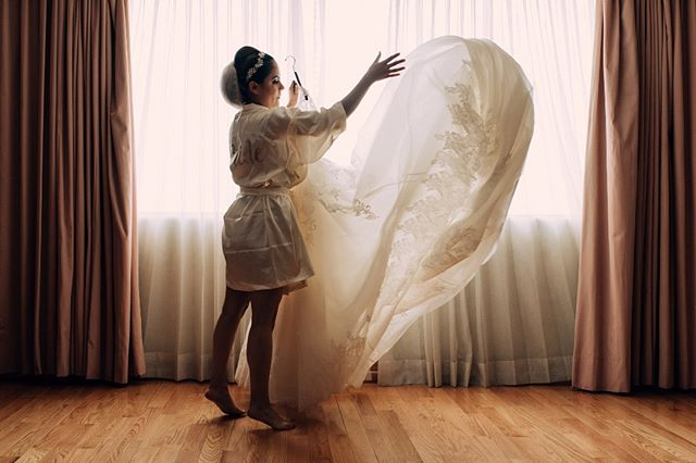 #bride #wedding #gettingready #boda #casamento #naturallight #vestidodenoiva