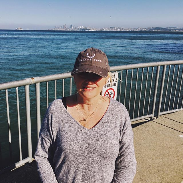 Lookin' good  @megalee92760  Thank you for taking us on vacation with you! ☀️🌉🌊#countrycool #vacation