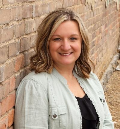 Image of Jenn Rahe corporate life coach.
