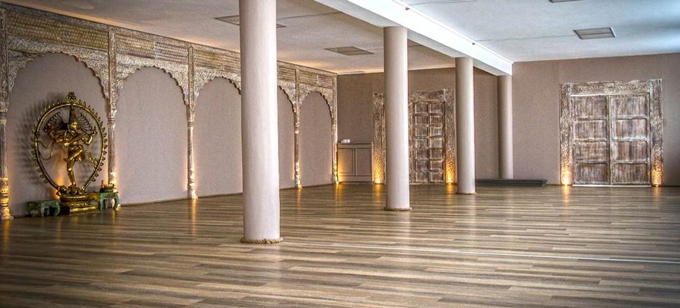 Embodied Flow Yoga Teacher Training Nuremberg Germany 2017.jpg