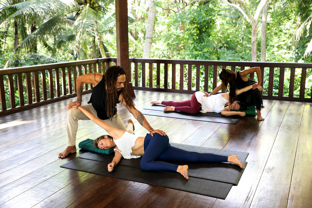 EMBODIED FLOW ADVANCED 500 HR YOGA TEACHER TRAINING Somatic Movement Therapy.jpg