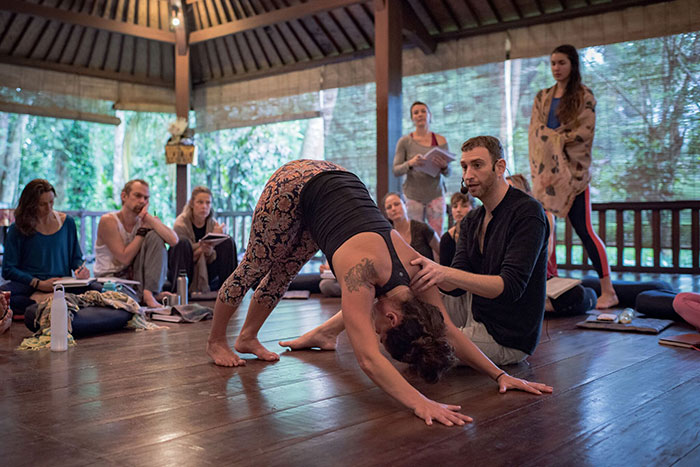 Embodied Flow Best Yoga School RYT200 Teacher Training Retreat Immersion Workshop Somatic Movement Therapy2.jpg