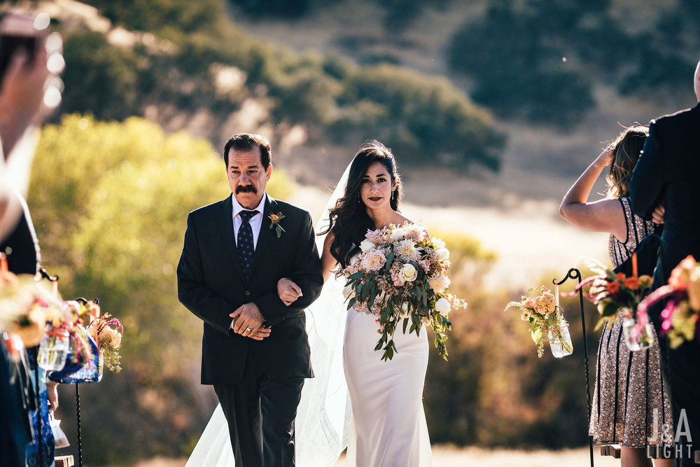 california wedding vendor: rustic roots floral + design