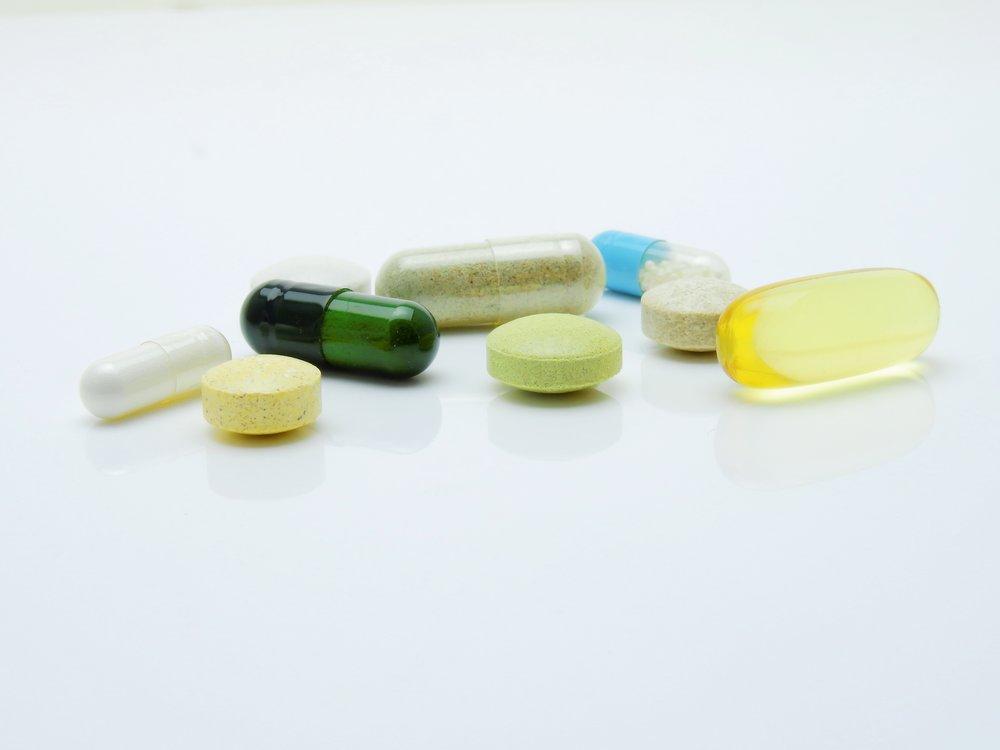 capsules-close-up-drugs-161688.jpg