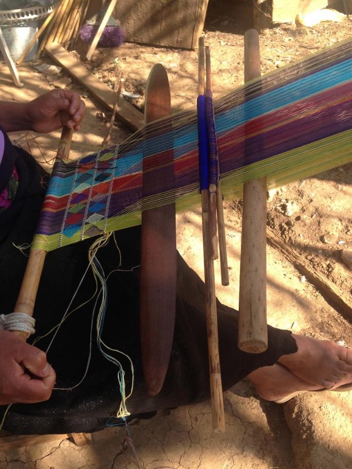 Artisan weaving | Courtesy of Carmen Rion