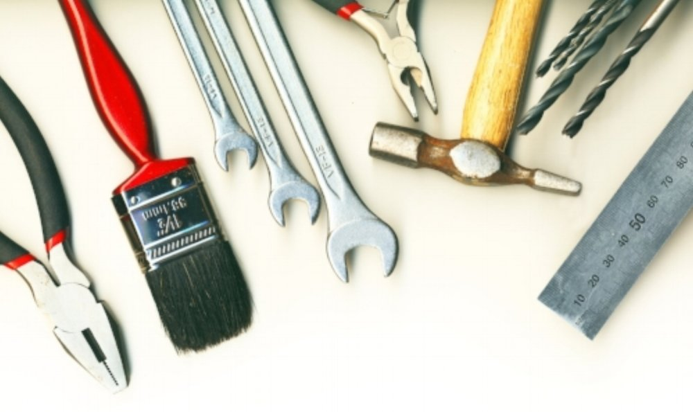 a-set-of-tools-isolated-on-white-background_G1AGzRP_.jpg