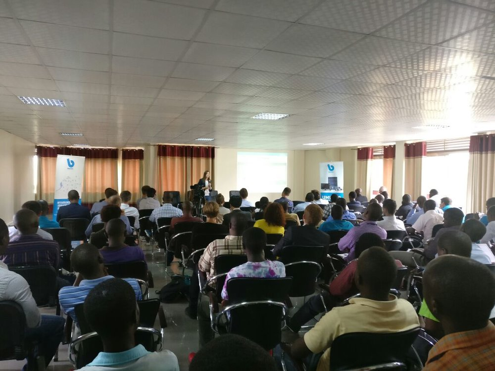 The seminar, held at UR-CST, was attended by a diverse audience.