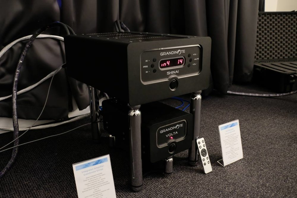 Grandinote - Shinai Integrated Amplifier  Grandinote - Volta DAC/Streamer