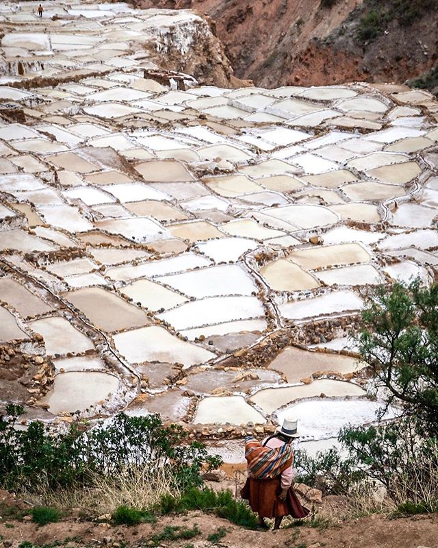 The salt pans of Maras have been in use since Incan times, and the locals believe the salt here contains unique health benefits. 📷: @anita_ben