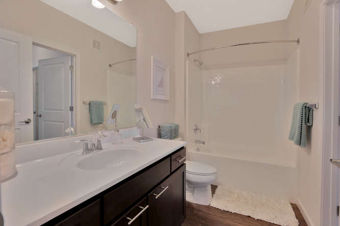 301 Karl Linn Drive 1 Bedroom-small-015-24-Bathroom-666x444-72dpi.jpg