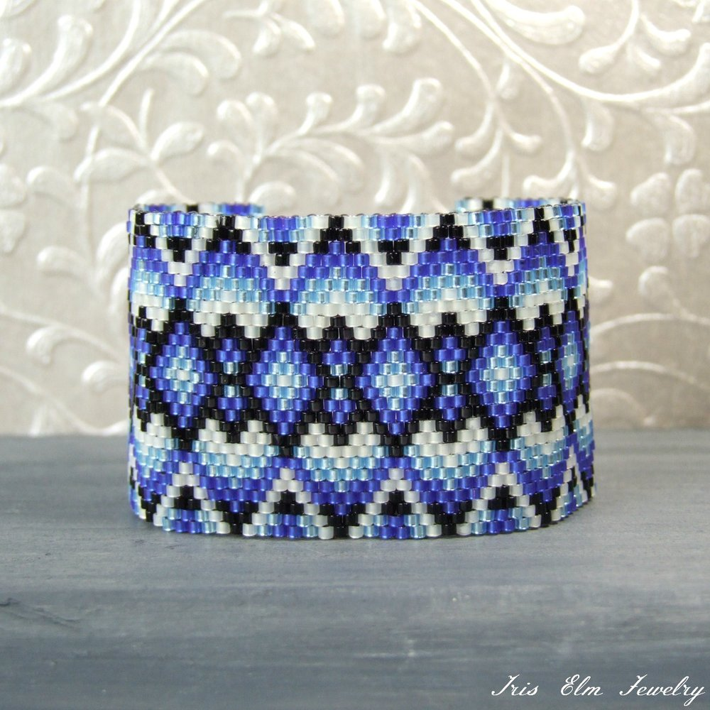 Small Size Blue, Black, & White Geometric Woven Bracelet