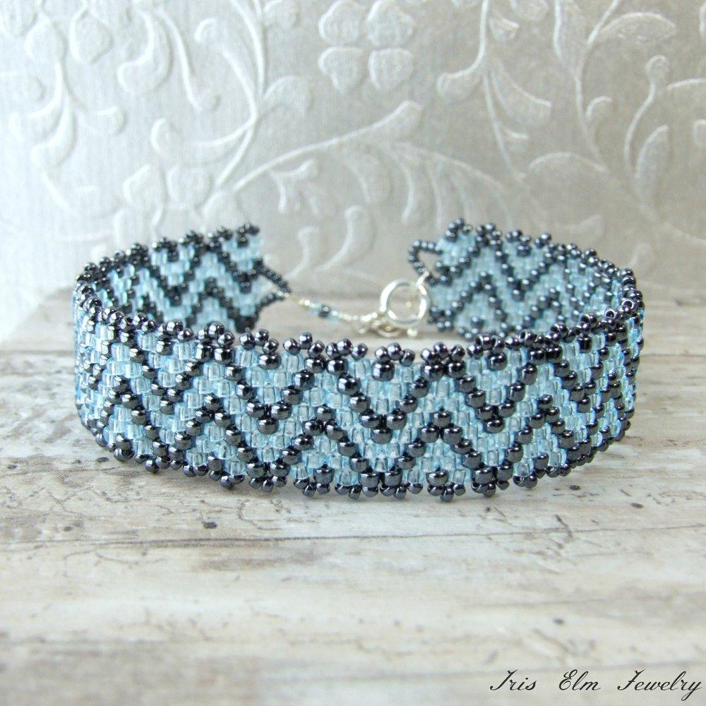 Blue Zig Zag Seed Bead Bracelet
