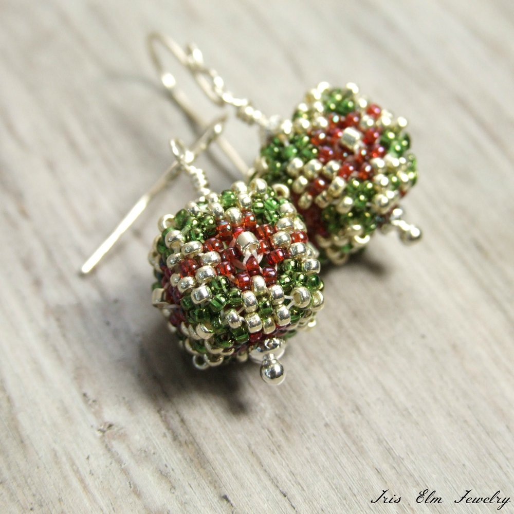 Red & Green Holiday Present Beaded Cube Drop Earrings