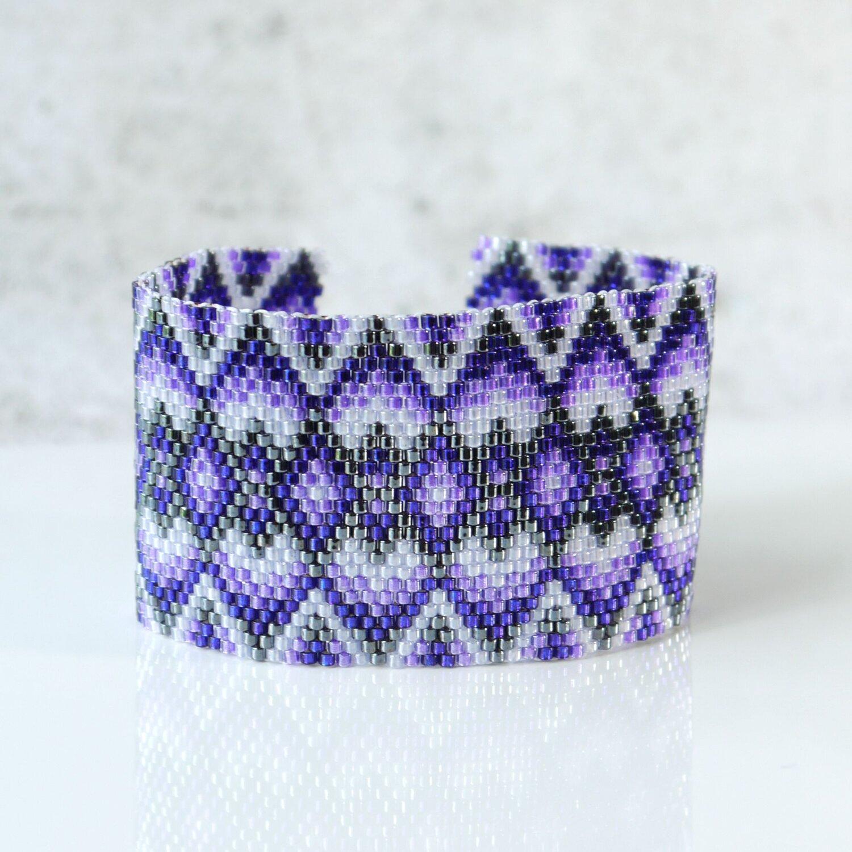 Seed bead woven bracelet