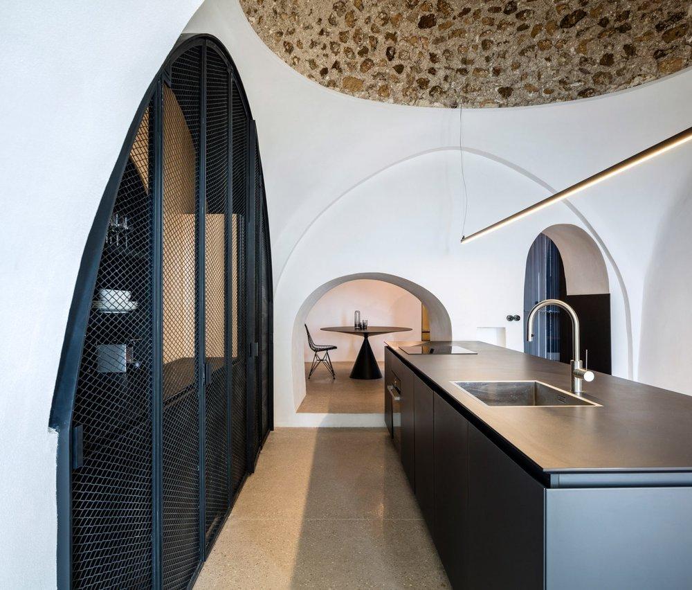 modern-cave-pitsou-kedem-architecture-residential-tel-aviv-israel_dezeen_2364_col_29-1704x1452.jpg
