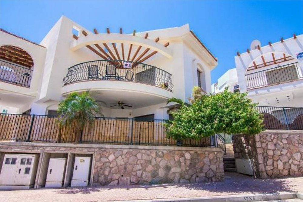 Eilat Yanis Apartments.jpg