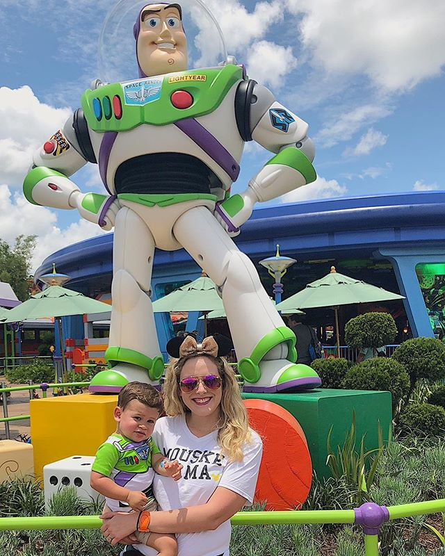 Celebrating #toystorytuesday in anticipation of our next trip... TOMORROW! Watching the clock ⏰ because 3pm can't get here fast enough! Noah just can't get enough of Buzz, and we can't get enough of watching his eyes light up on every visit. 😍 So, who's your favorite Disney character??? 🏰🐭🎇