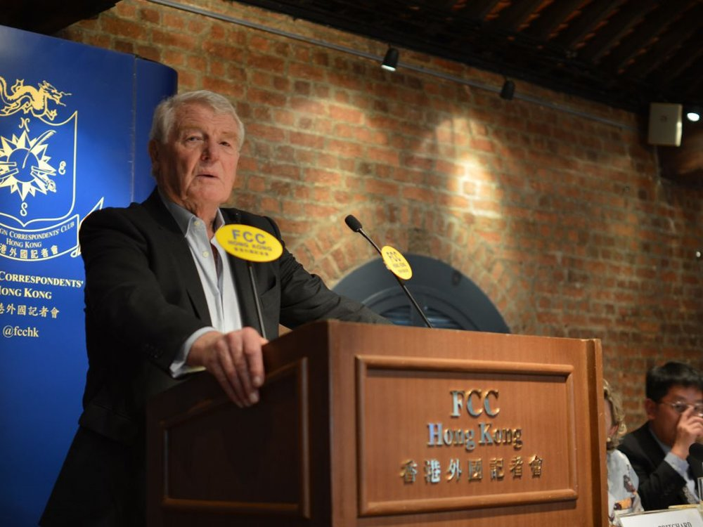 Lord Ashdown speaking at the Foreign Correspondents club. Photo: Sarah Graham / FCC