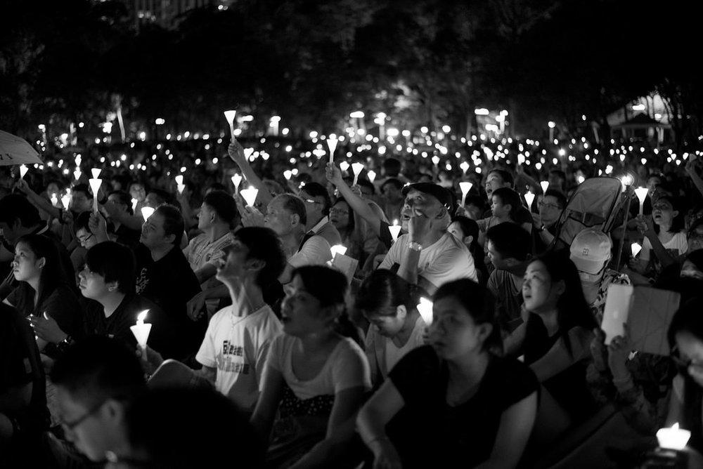 Candlelit vigils remembering the Tienanmen Square massacre in HK; Image: Flickr - @VeryBusyPeople